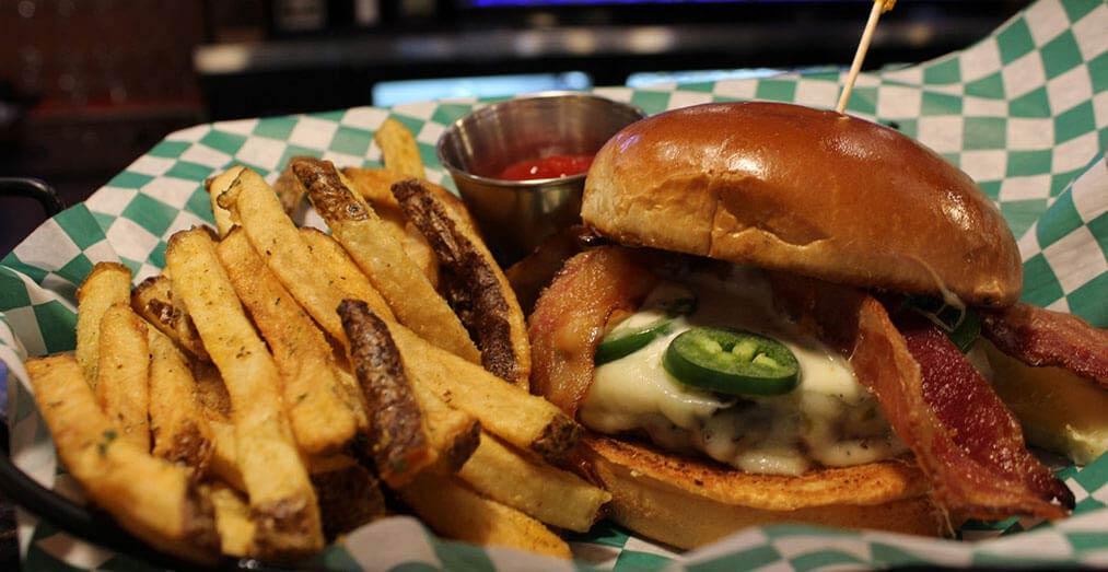 CB3 Burgers & Brews by Kahler Inn & Suites